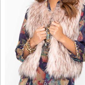 NWT BB Dakota Gorgeous Blush Faux Fur Vest